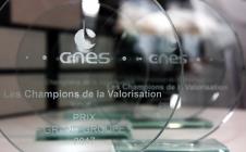 Bourget 2017 : Jean-Marc ASTORG, Directeur des Lanceurs (CNES) et André PUJIN, Président d'APCO Technologies