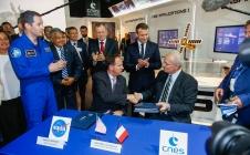 Salon du Bourget 2017 : Le CNES signe avec la NASA une déclaration sur Mars et l'océanographie
